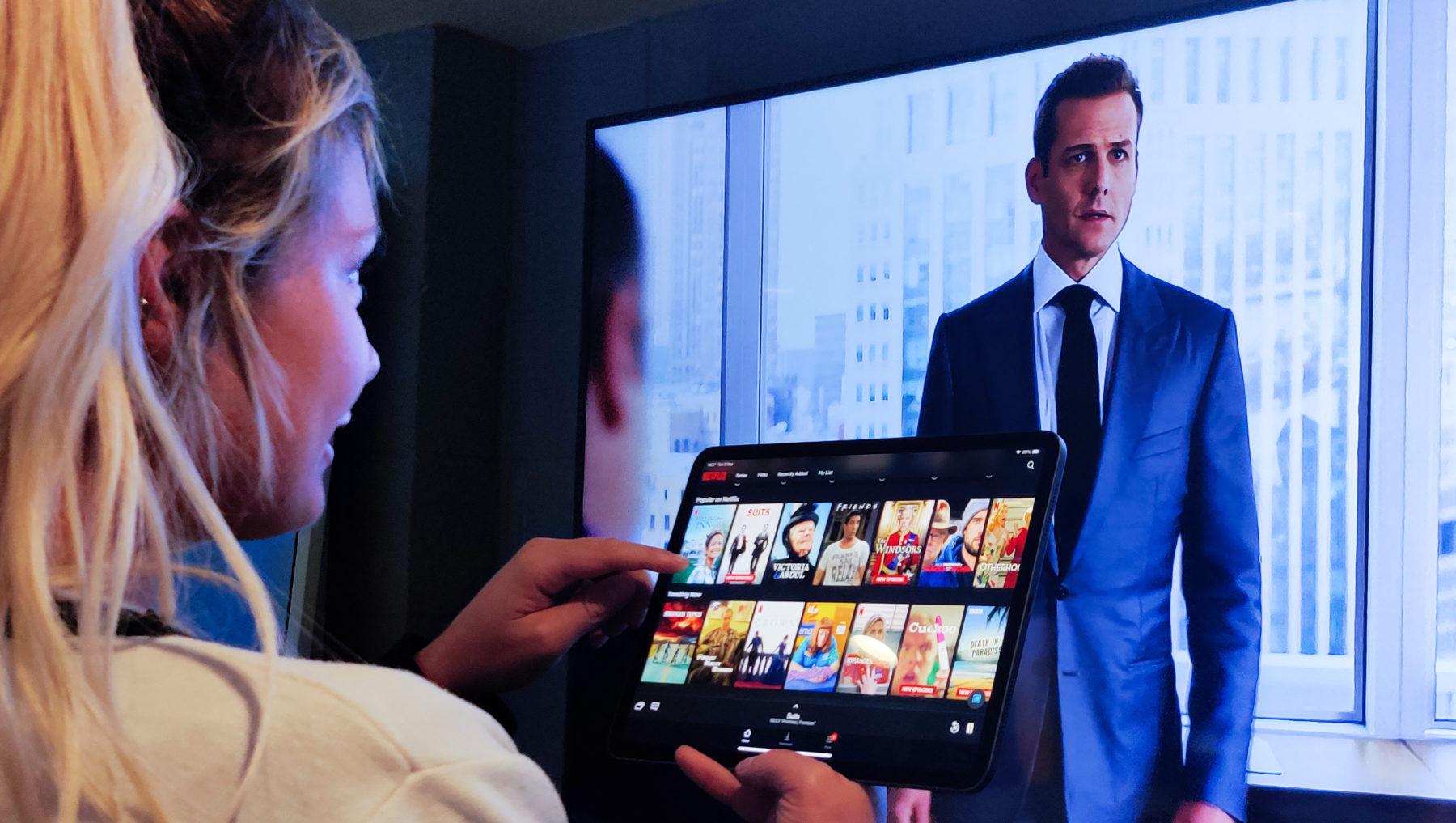 Hotel Display Systems / Hotel Digital Signage