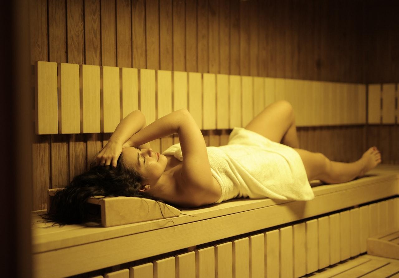 Hotel Whirlpools, Hotel Saunas