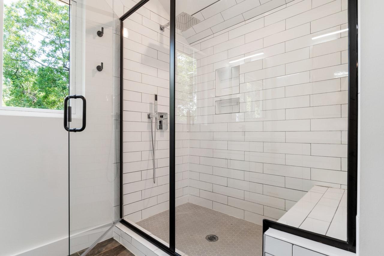 Hotel Showers